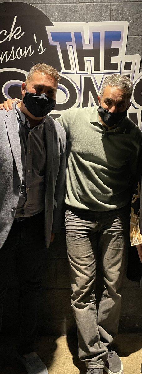 حصلنا ساعتين ضحك مع الكوميديان المصري الدكتور باسم يوسف ، شخص في قمة التواضع ! https://t.co/fWIsl53UDI