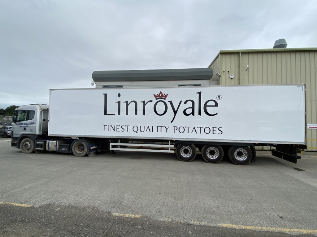 test Twitter Media - A refurbished trailer for our customer @Linroyale loaded onto our delivery vehicle & ready to go. It's had a full refurb, including body paint and chassis sandblast and paint and graphics supplied in-house by MW Graphics Ltd.  #LinroyalePotatoes #Sikkens #MWGraphics #MWHull https://t.co/WGtIWWZ6sV