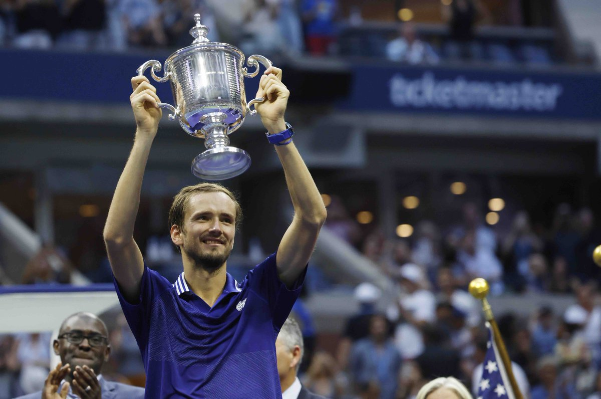 Daniil Medvedev as US Open Champion, it's: 💪 1st Grand Slam title 💪 1 set lost 💪 Champion on his 3rd final 💪 13th career's title 💪 6th title on hard courts 💪 3rd Russian Grand Slam champ after Kafelnikov and Safin 💪 3rd player to beat a Big 4 member in a Slam final