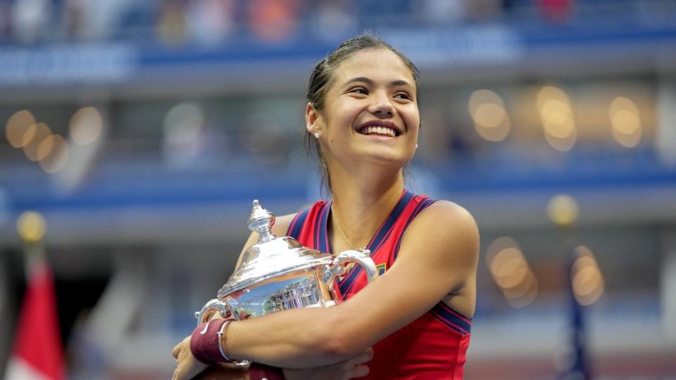 #USOpen Tenisin yeni yıldızı: Emma Raducanu bit.ly/3hsN4RU