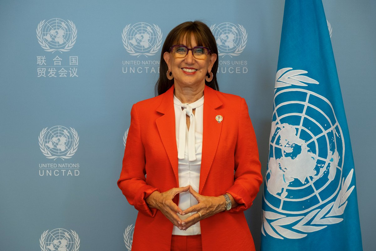 Today @RGrynspan takes the helm of @UNCTAD, making history as the 1st woman to serve as its secretary-general.  She will lead the organization in its quest to rebalance the global economy, boost resilience and ensure #ProsperityForAll. bit.ly/3EfXRJ4
