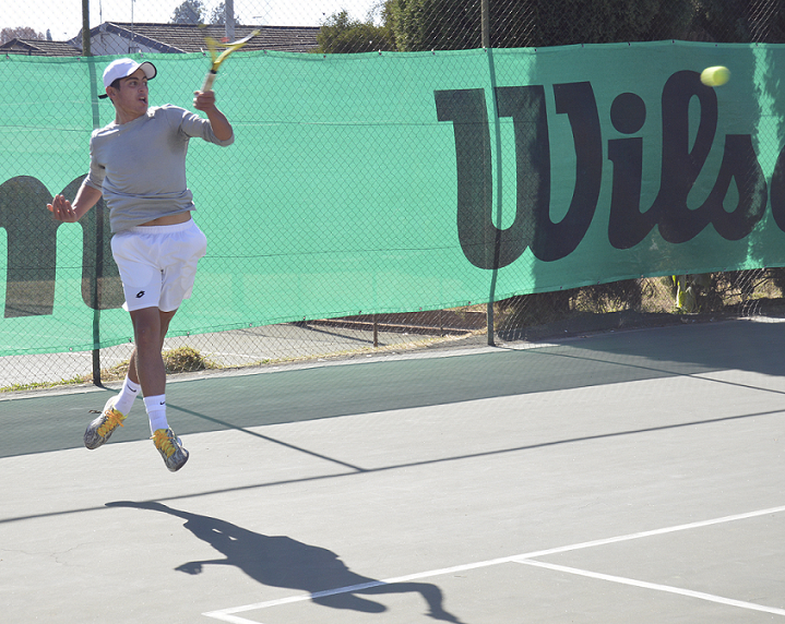 3⃣ South African players qualified for the main draw of the Jozi Open - an ITF $25,000 World Tennis Tour event 👏 ✔️Alec Beckley ✔️Dylan Salton ✔️Vasilios Caripi The main draw starts on Tuesday. Follow the action on live streaming 👉 is.gd/53DwS0 #JoziOpenTennis