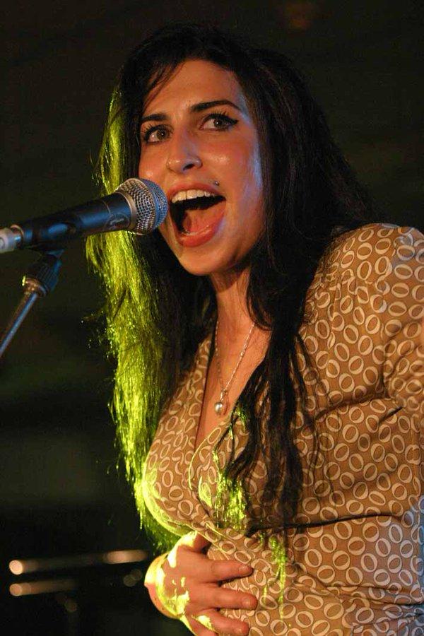 @JeffreyGuterman's photo on Amy Winehouse