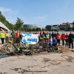 Image for the Tweet beginning: #DiveAgainstDebris: E-scooters, bikes, shopping cart