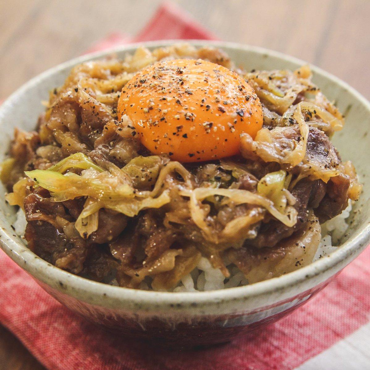 ご飯が止まらなくなっちゃう美味しさ?!絶妙な甘辛味に仕上がるという「豚丼」レシピ!