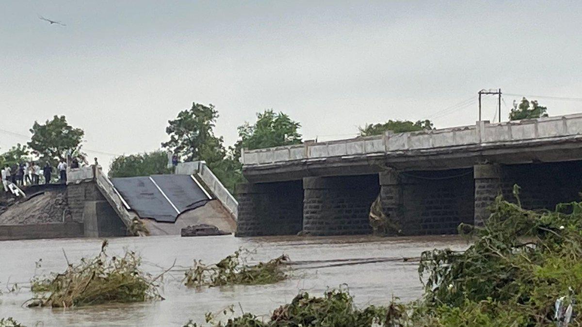 Saurashtra flood: A bridge collapses on Jamkandorna-Gondal State Highway