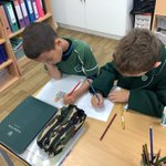 3AB are working together to develop woolly mammoth cleaning kits this morning and writing instructions on how to use them using imperative verbs and prepositions. @SHSBoysPrep @TraceyChongSHS