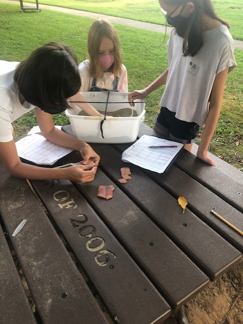 Let's Dig. Our 6th grade teacher, Ms. Winter, took her class on an Archaeologist Dig. The students are making inferences about cultures of the past. <a target='_blank' href='http://twitter.com/APSsocstudies'>@APSsocstudies</a> <a target='_blank' href='http://twitter.com/BoykinBryan'>@BoykinBryan</a> <a target='_blank' href='http://twitter.com/wmspta_wolves'>@wmspta_wolves</a> <a target='_blank' href='http://twitter.com/APSVirginia'>@APSVirginia</a> <a target='_blank' href='http://search.twitter.com/search?q=EngageAPS'><a target='_blank' href='https://twitter.com/hashtag/EngageAPS?src=hash'>#EngageAPS</a></a> <a target='_blank' href='https://t.co/SeFkcfZ6Vp'>https://t.co/SeFkcfZ6Vp</a>