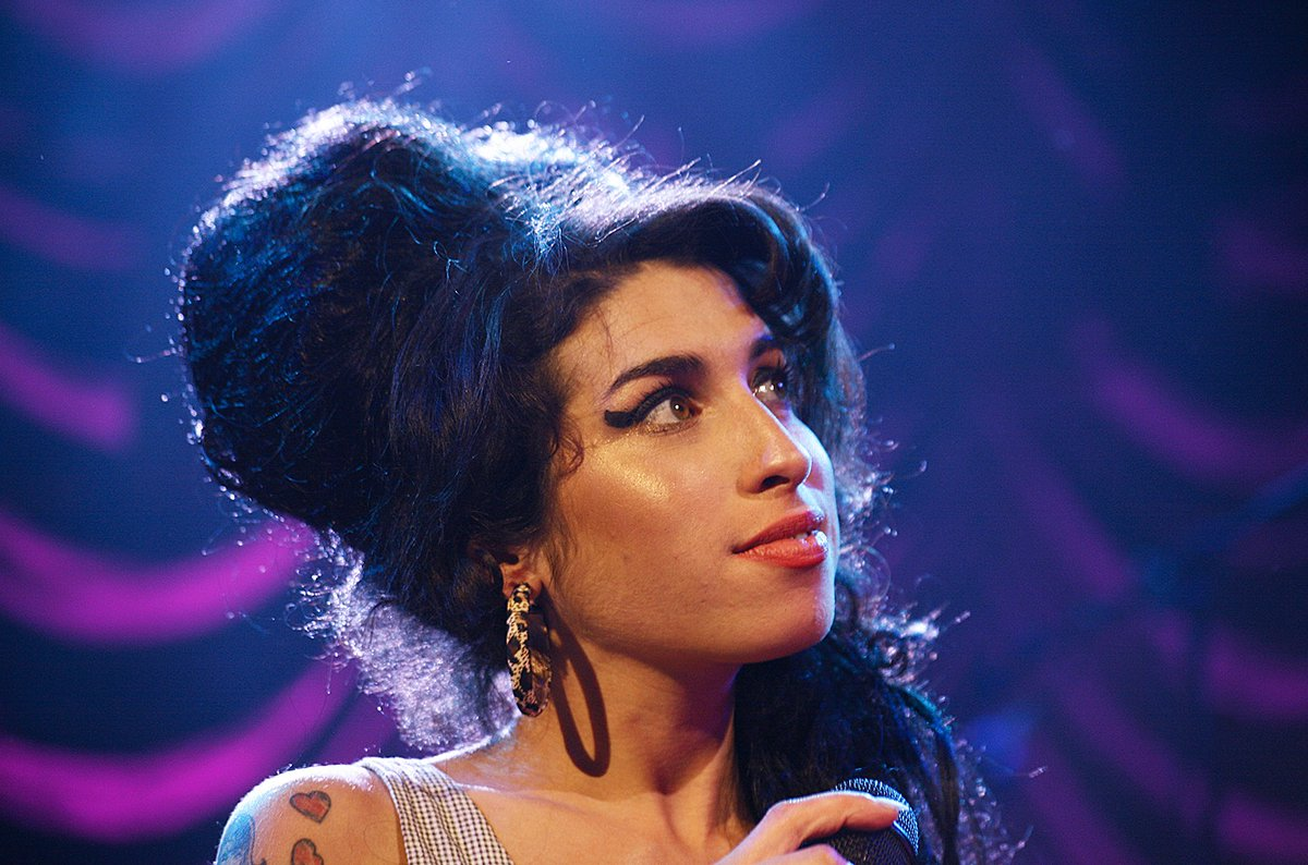 @consequence's photo on Amy Winehouse