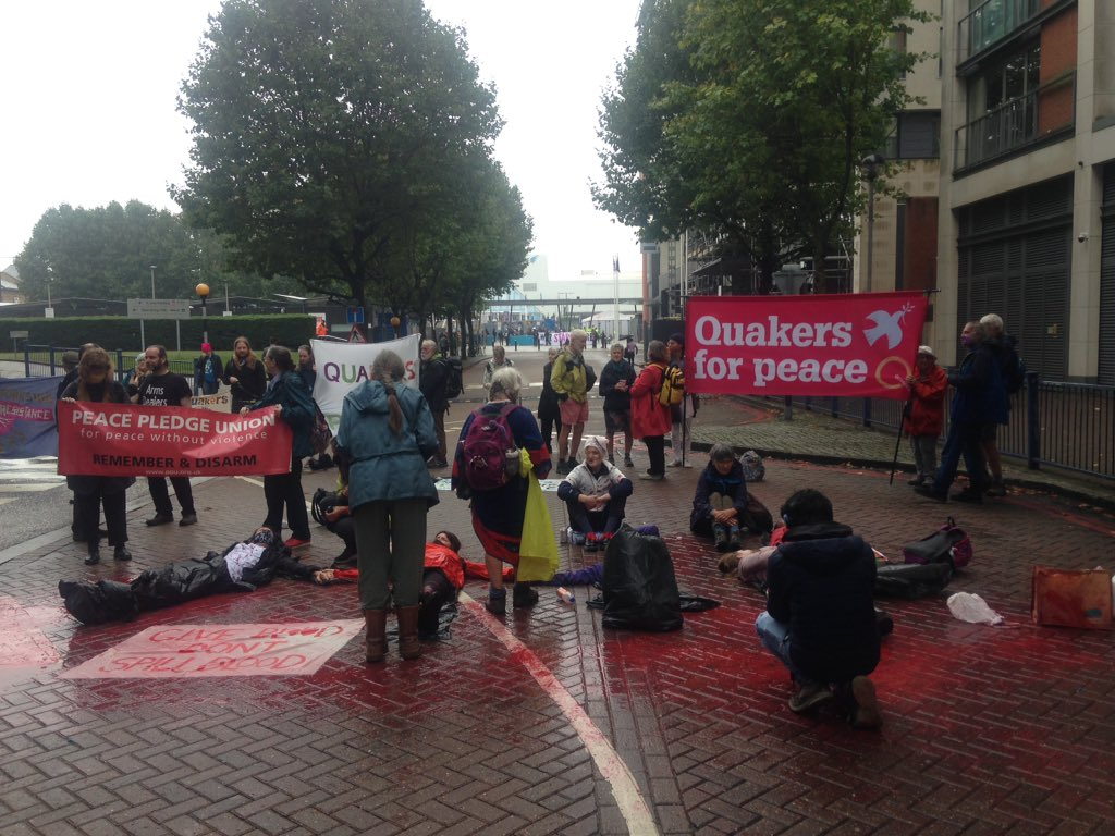 Protesters are still blocking the road at the entrance to the DSEI arms fair as it opens today #ShutDownDSEI