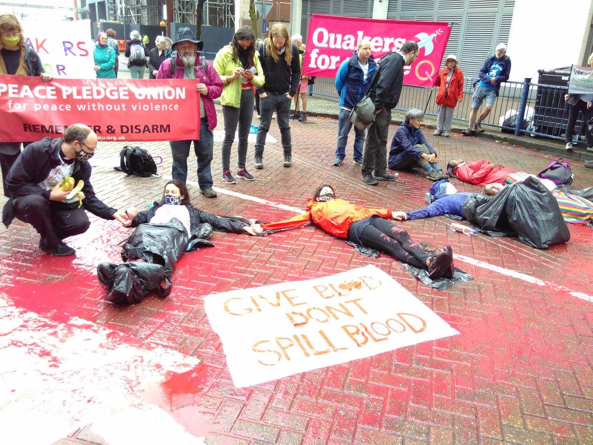 Blockade still going strong! #stopDSEI