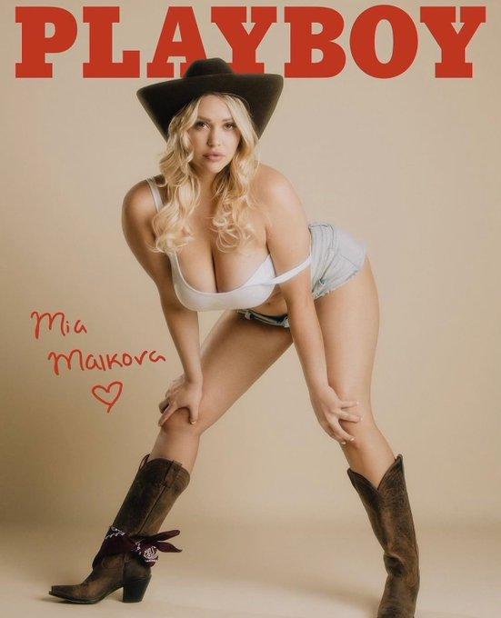 2 pic. Playboy x Mia 🐰 https://t.co/A53onIr2AB   #style #instafashion #outfit #hoodies #longsleeve