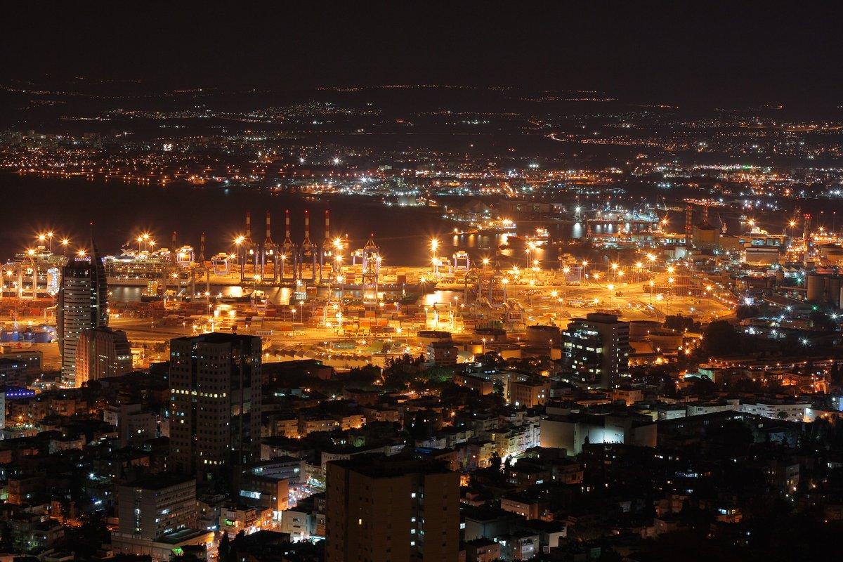 أسعد الله مساءكم من مدينة حيفا الإسرائيلية الخلابة  …