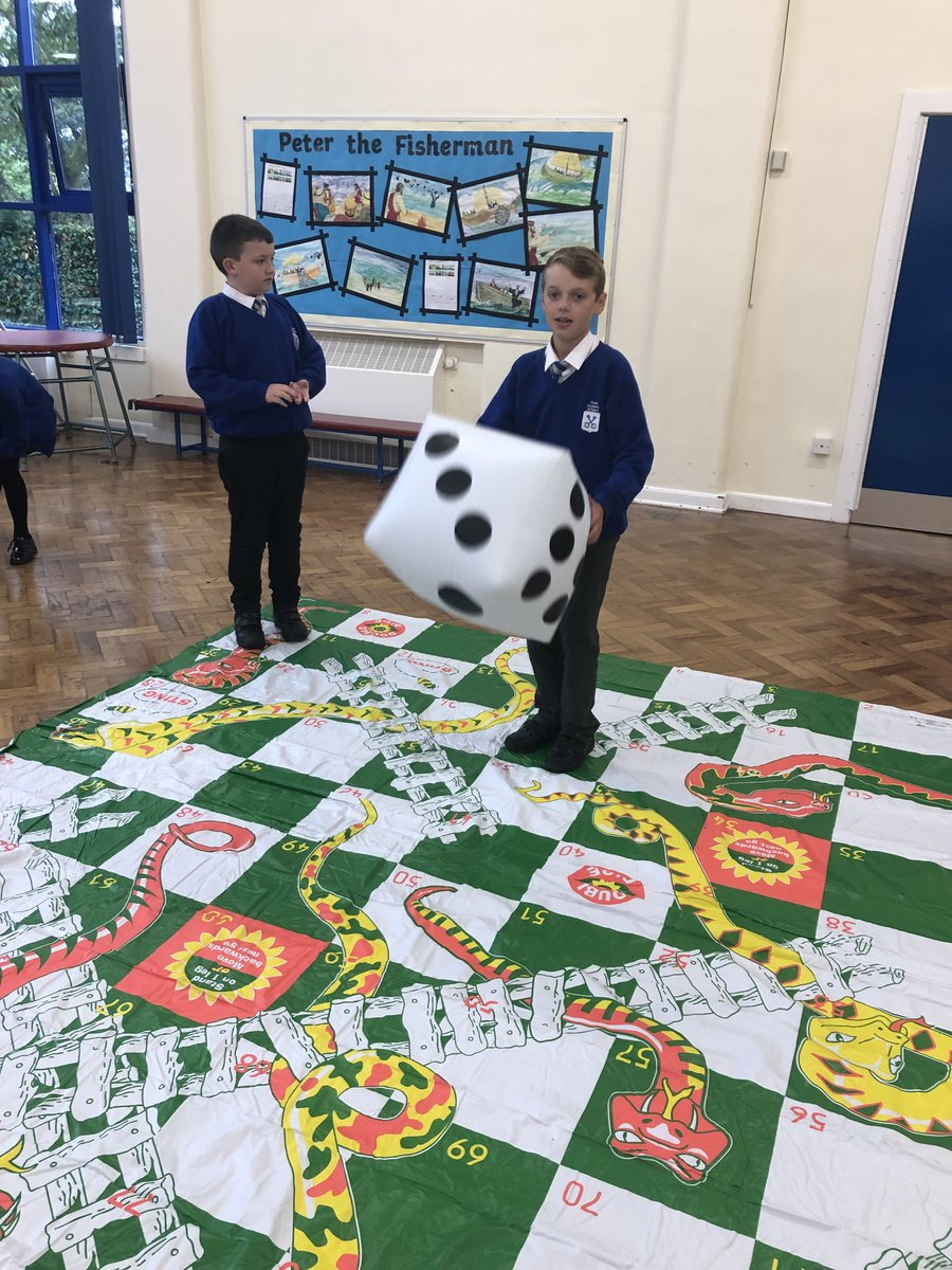 Look at our fantastic new equipment! As it was raining outside, we decided to bring playtime inside and explored all of our brilliant new things! The table tennis and swing ball sets were very popular and developed teamwork, social skills and communication! What a fantastic day🤩