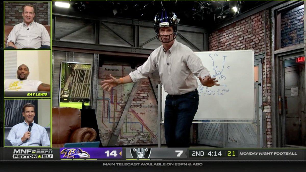 @NFL's photo on Peyton