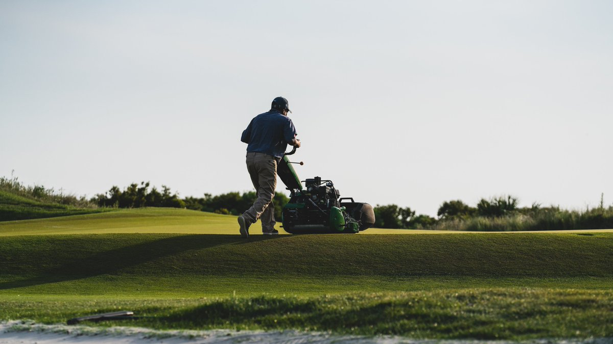 Appreciate post for all the people who work incredible long hours preparing golf courses for tournaments  #ThankAGreenkeeper #ThankASuper