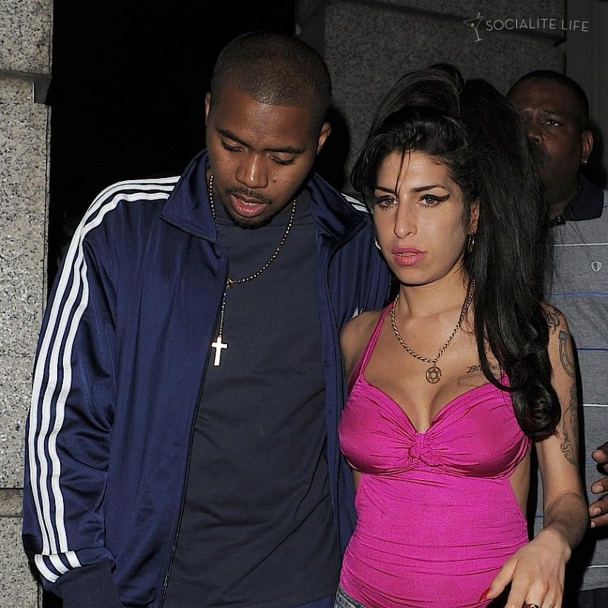 Happy Birthday  Nas & Amy Winehouse.
