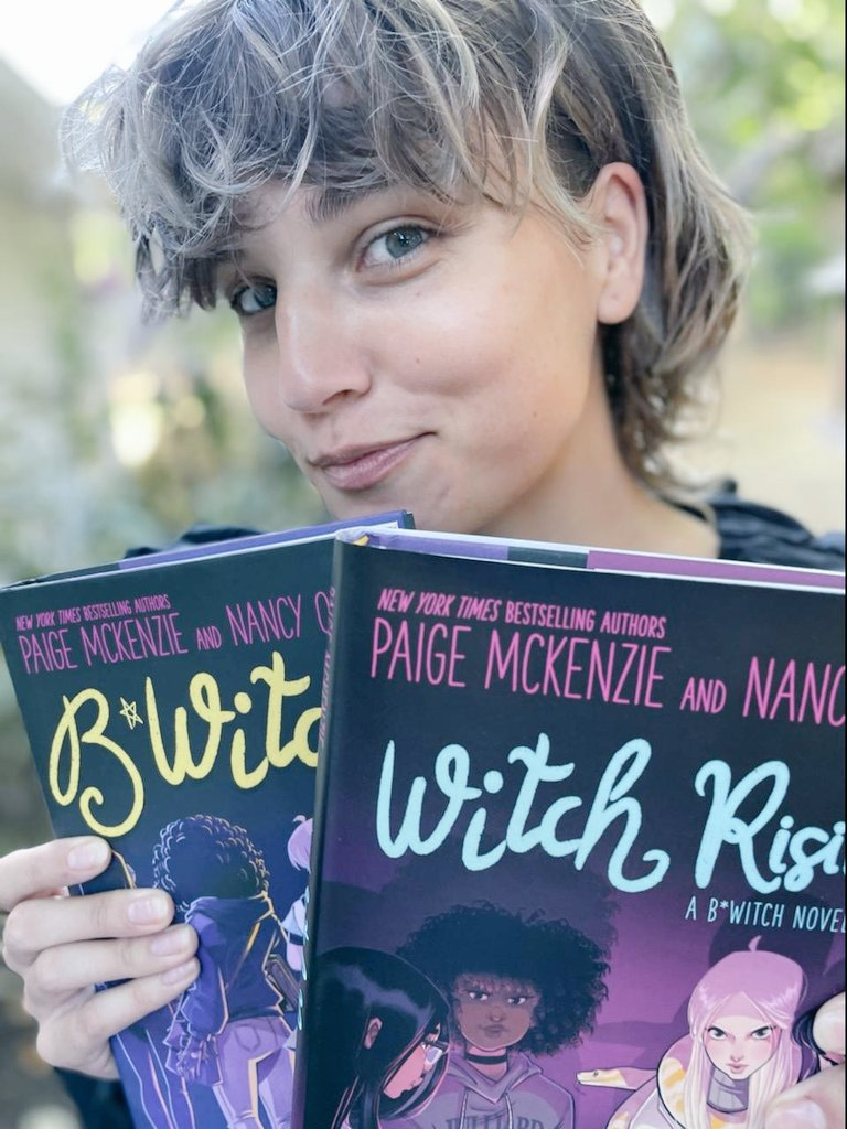 🖤 It's Witch Rising's #BookBirthday! 🖤 #WITCHRISING, book 2 in my latest series w/ @NancyOhlin is available NOW from your fave bookstore! Get the ebook of B*WITCH for $2.99 HERE:  amazon.com/dp/0759556008/… 🖤 And look at those @Sweeney_Boo #bookcovers! Love love!