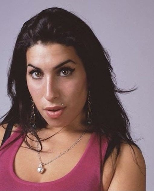 Happy birthday amy winehouse. she would\ve turned 38 today