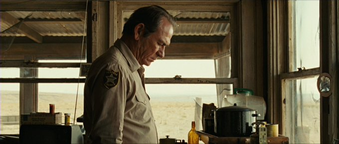 Happy birthday Tommy Lee Jones! Which is your favourite of this American icon\s roles?