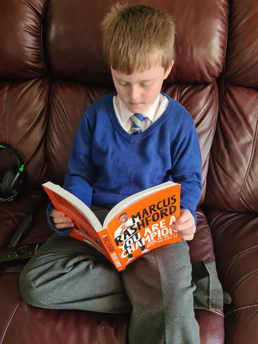 Hey @MarcusRashford my little boy is absolutely loving your book 💙 When I asked what he liked about it he said 'I think he is very kind' 😍 Thank you 🤗