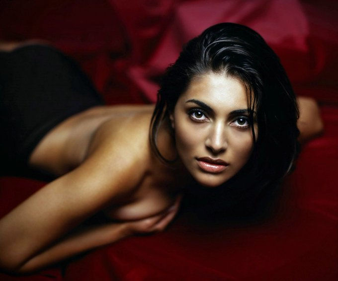 Happy birthday to Caterina Murino, who played Solange in 2006\s Casino Royale.