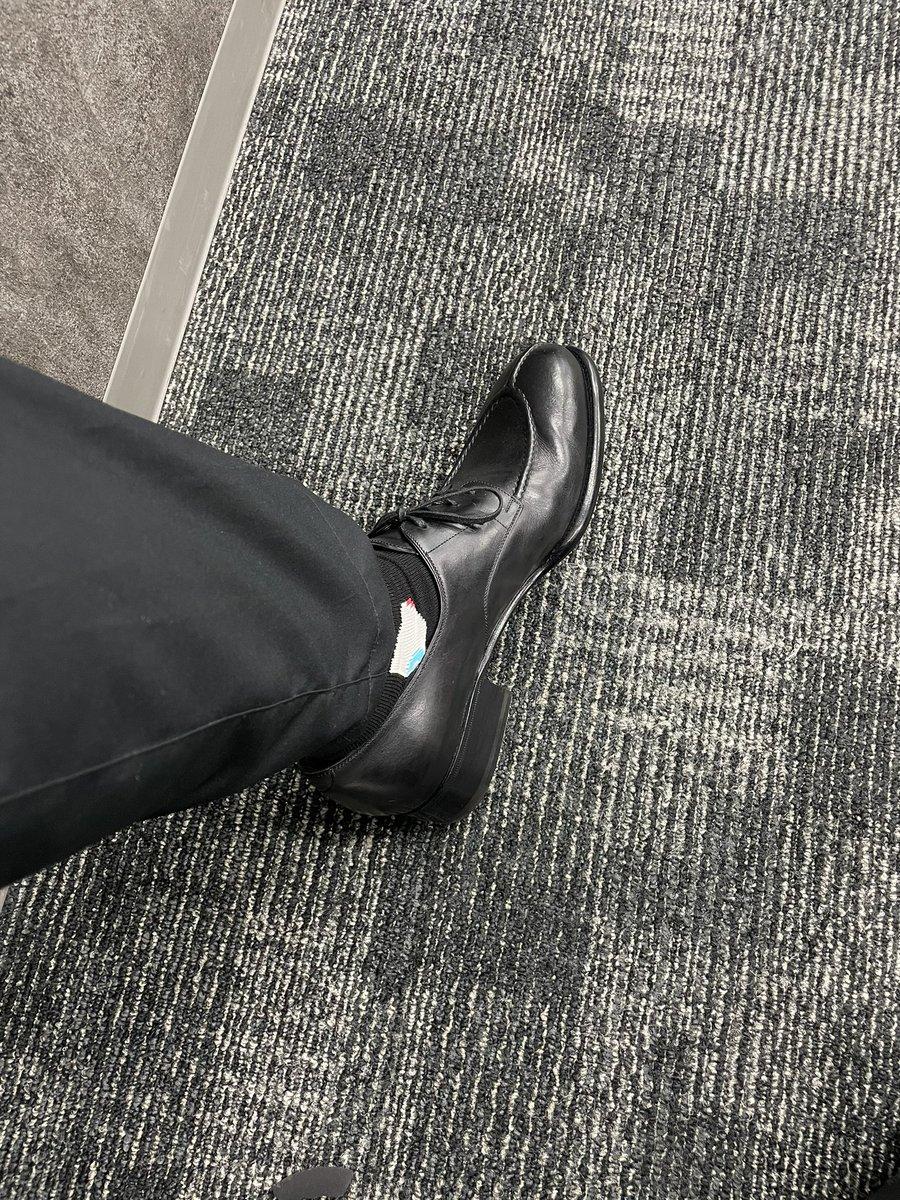 気に入ってる革靴でテンションが上がる。