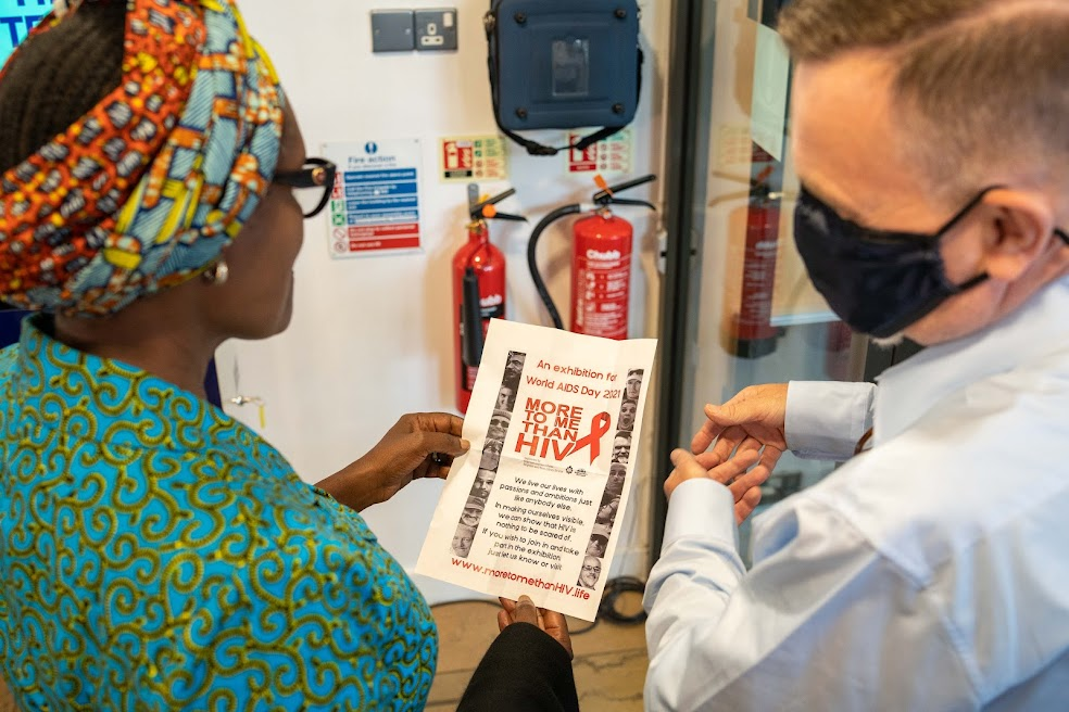 A special moment receiving a visit from @Winnie_Byanyima at Jubilee Library last week ❤️ We showed Winnie our new STI & HIV testing machine, & Library Officer, Glenn, was thrilled to be able to speak to Winnie about the @moretomethan project: moretomethanhiv.life #HIVtesting