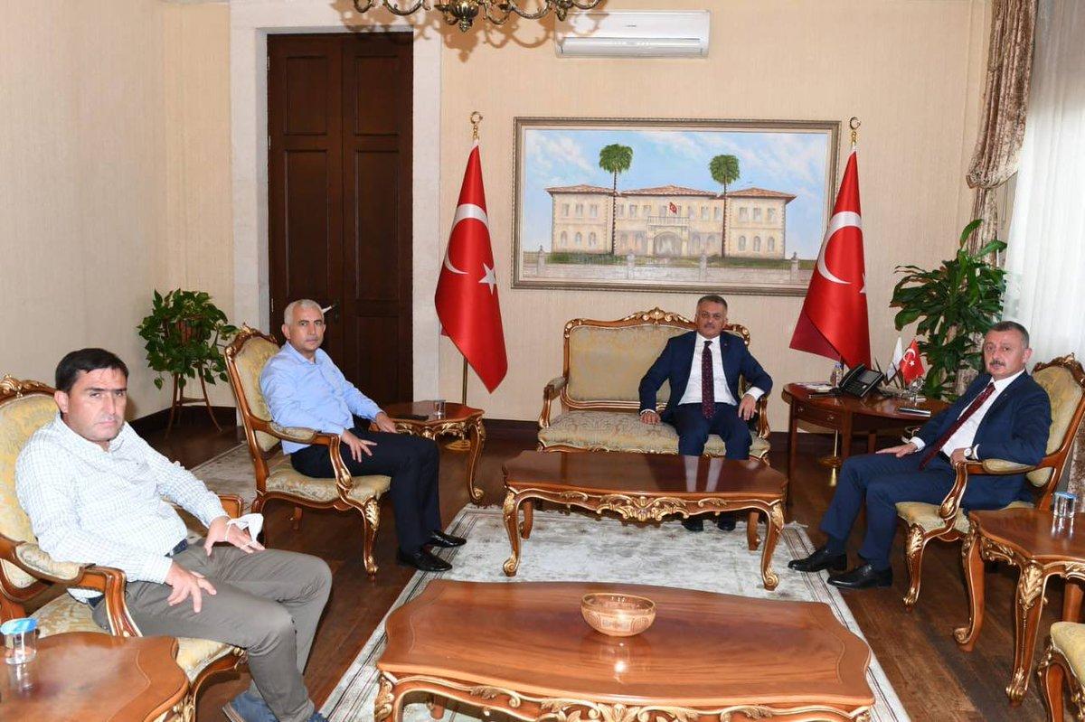 KBB Başkanımız @tahirbuyukakin ile birlikte @ersinyazici1 Valimizi ziyaret ettik. #Antalya Valimize yakın ilgisinden dolayı çok teşekkür ediyorum.
