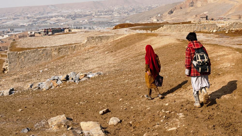Rädda Barnen återupptar arbetet för barn i Afghanistan https://t.co/H1MujefwTO https://t.co/lNKnxFqpbt