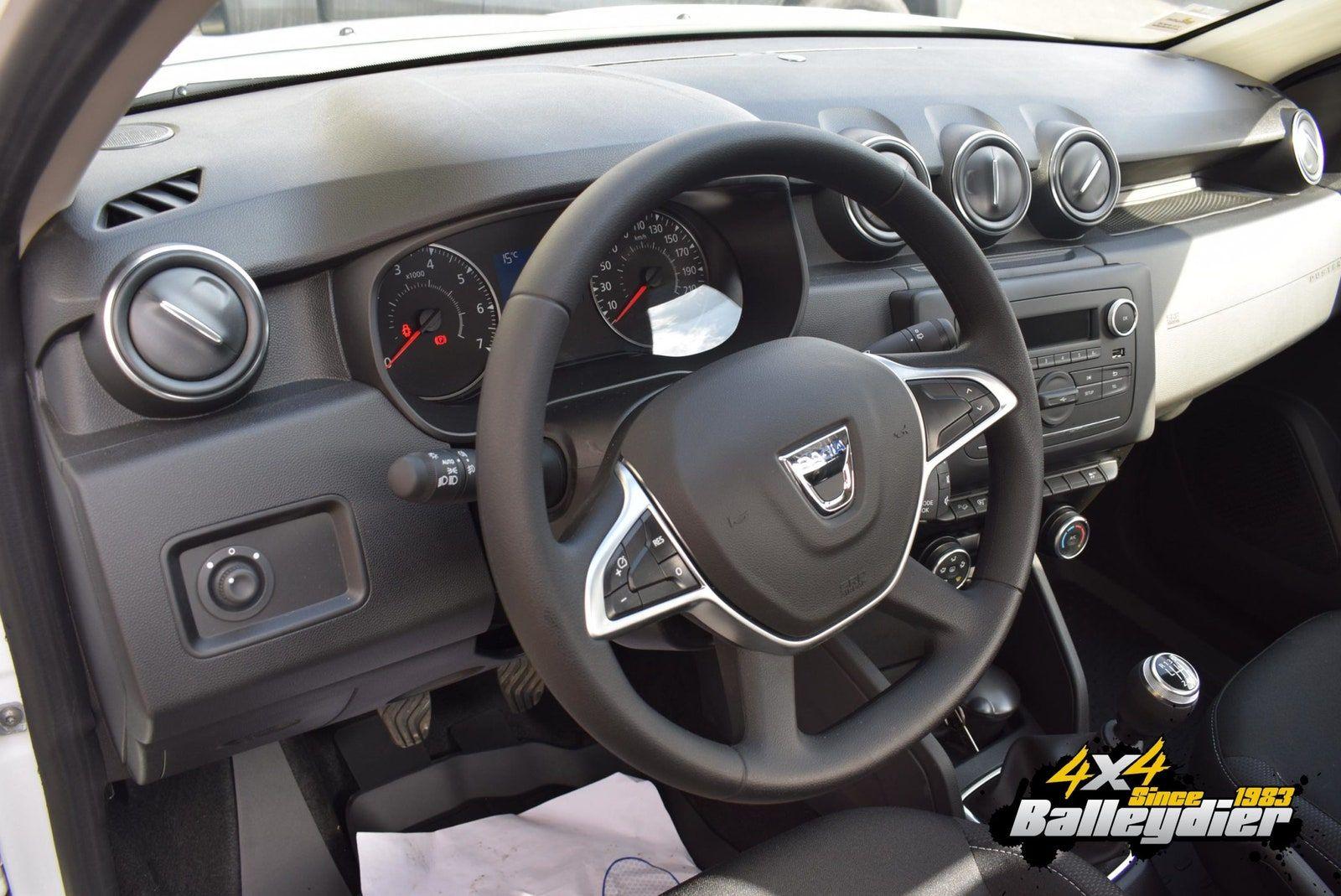 Dacia Twitter