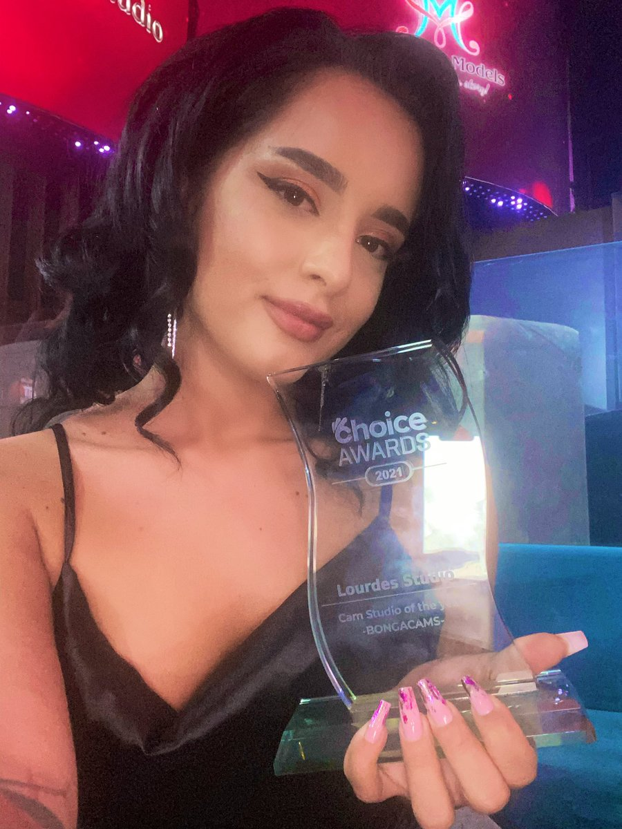 Congrats my sweet @EvieRos45589232 🥂🥳 You totally deserve it!❤️  To be appreciated & respected by the platform you collaborate with, generally by your partners is the most important! @BongacamsM thank you for the invitation & the appreciation shown towards our model Evie& us🙏 https://t.co/KS3pz8fY1Y