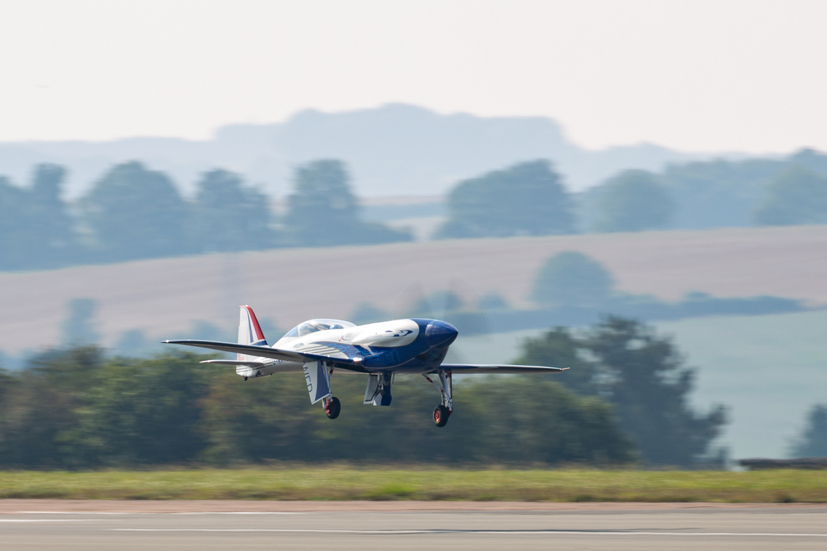 Spirit of Innovation em pleno voo | Foto: Reprodução/Twitter/Rolls-Royce