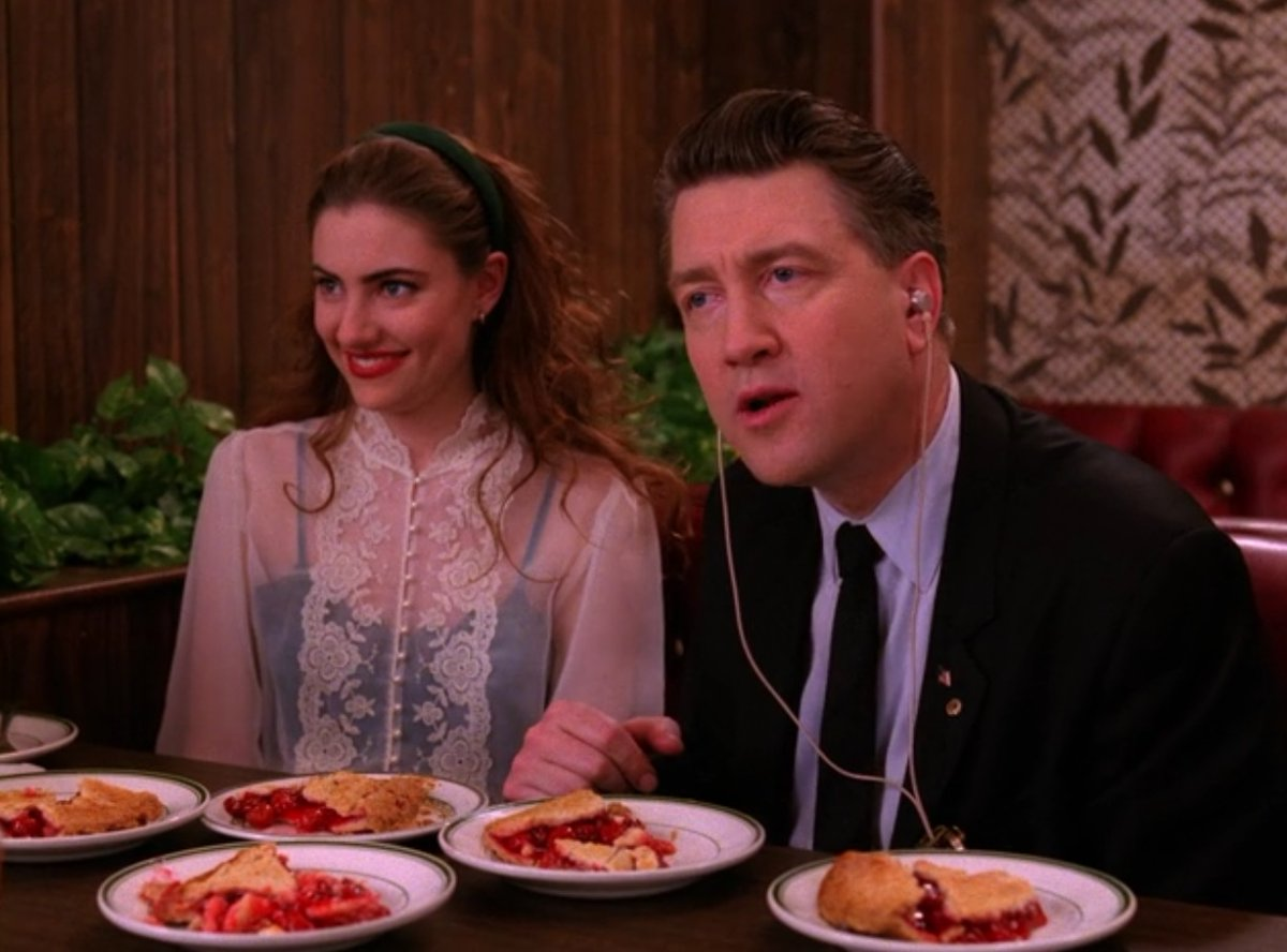 The 4 best scenes at the RR Diner