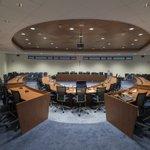 @BARENDRECHTzh - Dinsdag 21 september vergadert de gemeenteraad. De vergadering is fysiek. Door de maatregelen om het coronavirus terug te dringen, kan er geen publiek bij aanwezig zijn. Kijk voor de agenda op: https://t.co/5cPDygbMP8 https://t.co/uAuM0r95In