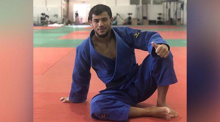 Tokyo Olimpiyat Oyunları'na katılan ancak turnuva sırasında İsrailli rakibiyle karşılaşmak istemediğini söyleyerek bir anda çekilen Cezayirli judocu Fethi Nourine, 10 yıl spor müsabakalarına katılamayacak. Haketmiş profesyonel olmayan sporcu olamaz! #FethiNourine #Tokyo2020