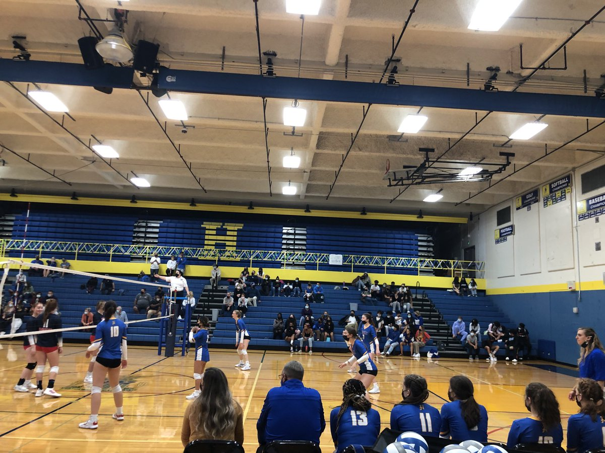 @TheRealHazenHS still playing Volleyball in the 5th match now. #longnight