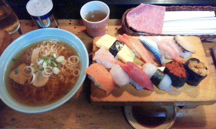 名古屋のイベントで寿司握ってくれるV系バンドマン、ガチで捌いててかっこいい!