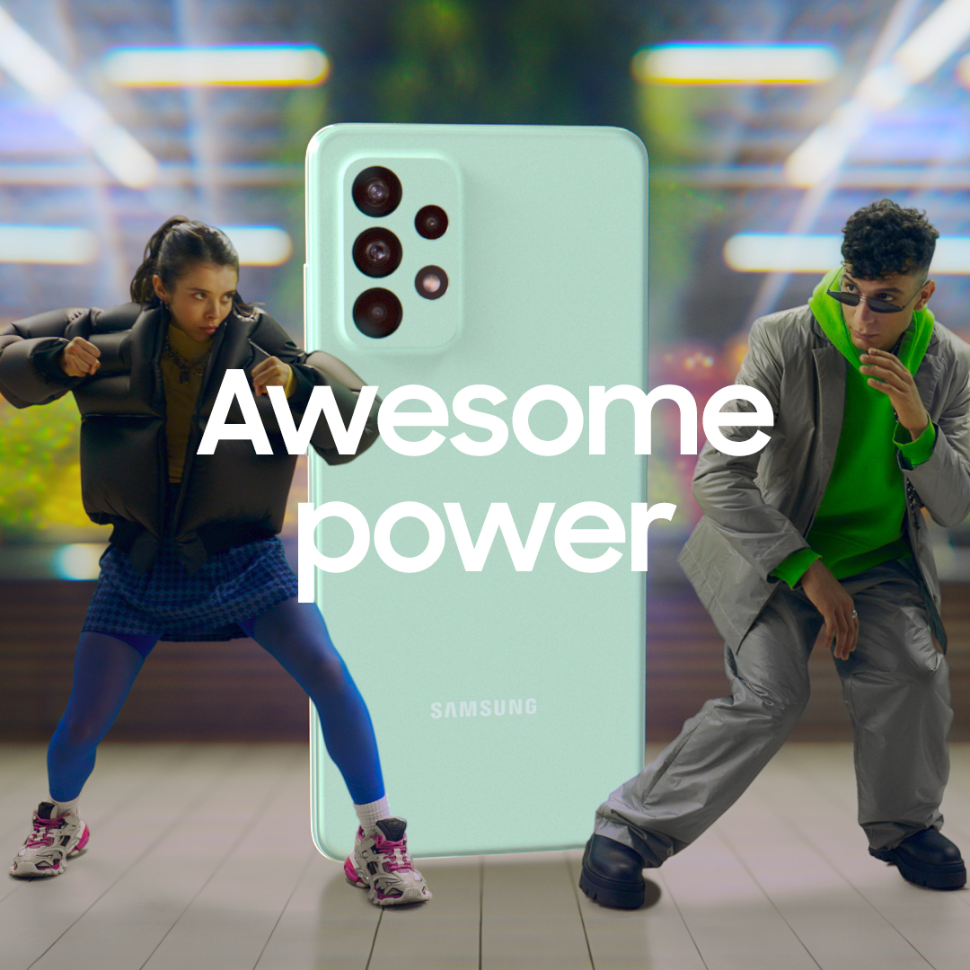 No one will dare grab your loot! Get powered up and smash your enemies with the #GalaxyA52s 5G chipset power! Discover more: https://t.co/ZbIGO4LECn https://t.co/9w2taRovnA