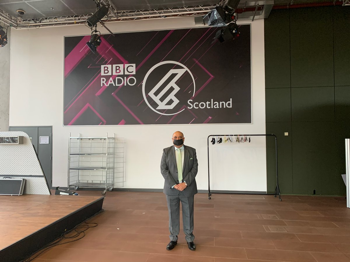"""SGF Pete Cheema kicks off our annual conference with interview on @BBCRadioScot """"customers have realised that convenience stores are always there for them"""" @BBCGaryR #bbcgms #sgfconference"""