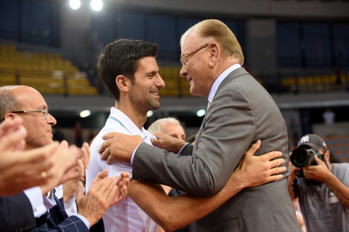 Novak Djokovic, bugün hayatını kaybeden Dusan Ivkovic'i 'spordaki babamız' sözleriyle anlatmıştı. Efsanevi koçun 2017'deki jübilesinden bir kare...
