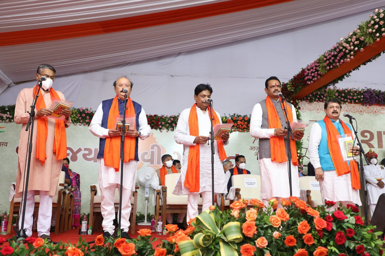 Gujarat: New ministers take oath despite dissent, several old faces dropped