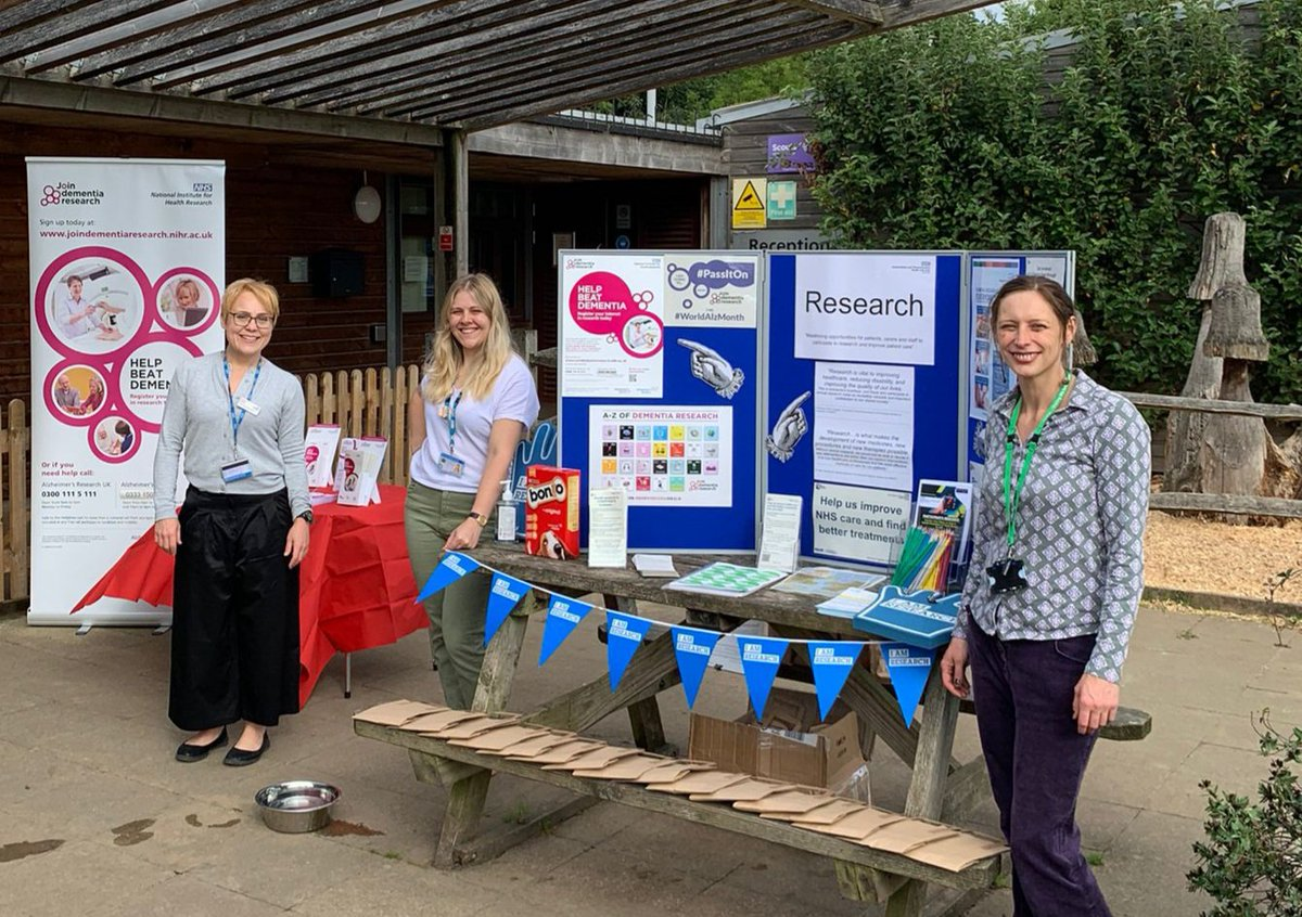 Great pic - we've spotted the @beatdementia banner and the #PassItOn poster, thanks for sharing! #WordlAlzMonth