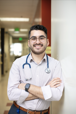 Check out this great profile on La Clínica Lead Nurse Erik Solorio in honor of Latinx Heritage Month!  Thank you @eatlearnplay for highlighting our staff's unwavering commitment and service to the community.