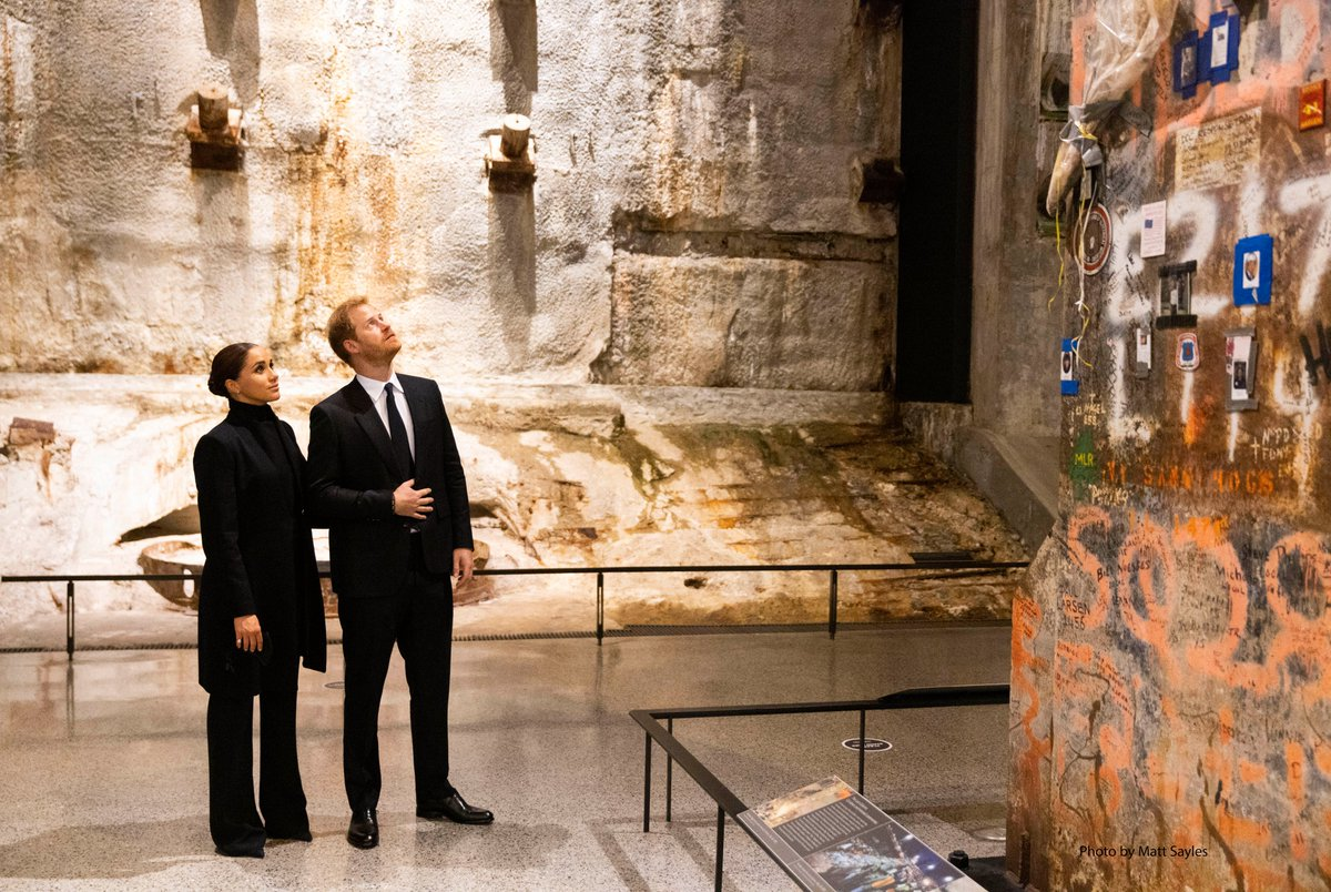 Leading the way with compassion & unity is at the heart of The Duke & Duchess of Sussex's work, & a mission that is very much shared by the @Sept11Memorial. Today, I was glad to join @AliceGreenwald in welcoming Prince Harry & Meghan to the Museum & to learn more about their work