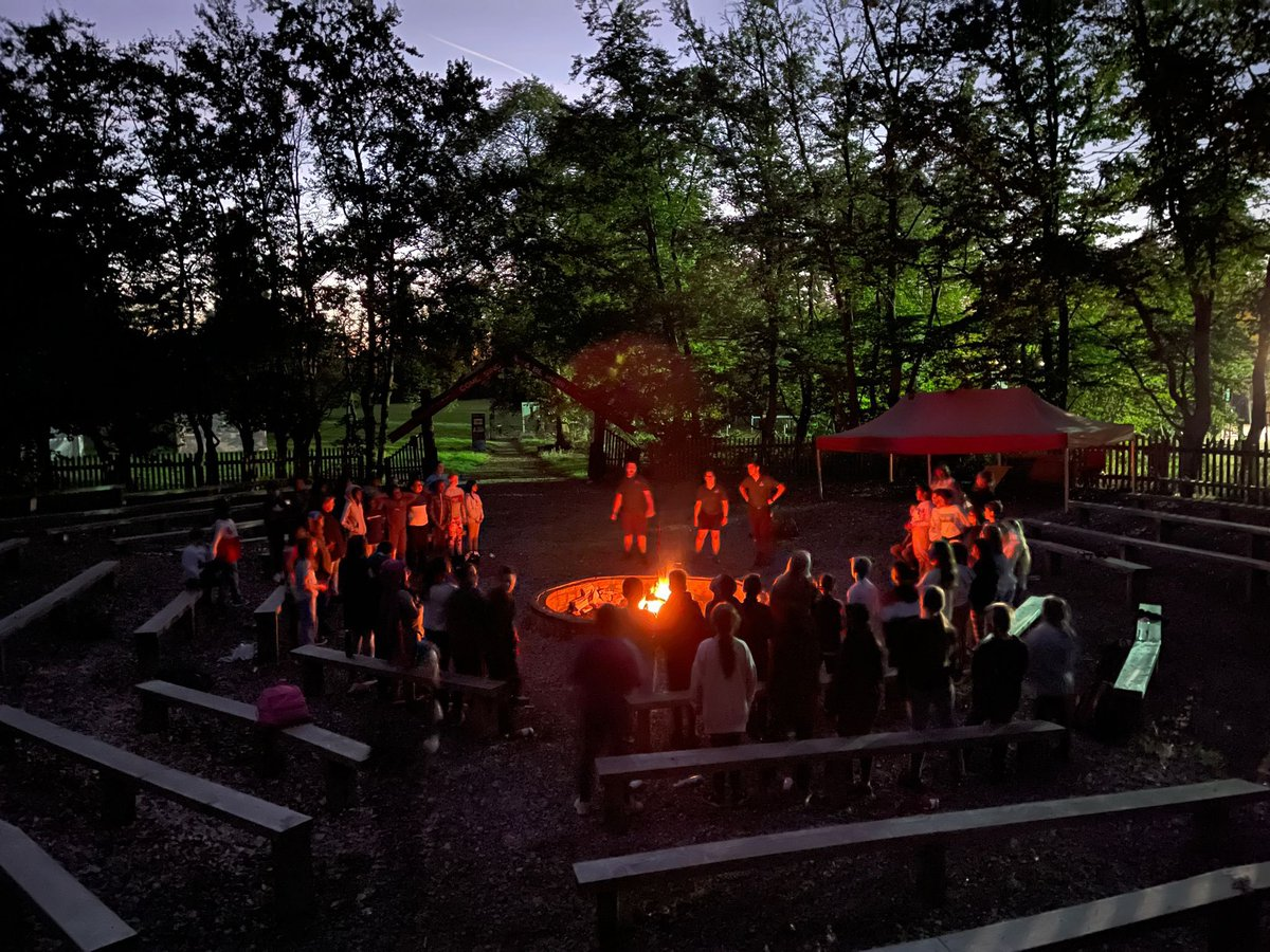 When you've got the last night of residential feels… BBQ bonanza followed by a singsong around the campfire. #campfire #bbqbonanza #alltheburgers #welovebbqs