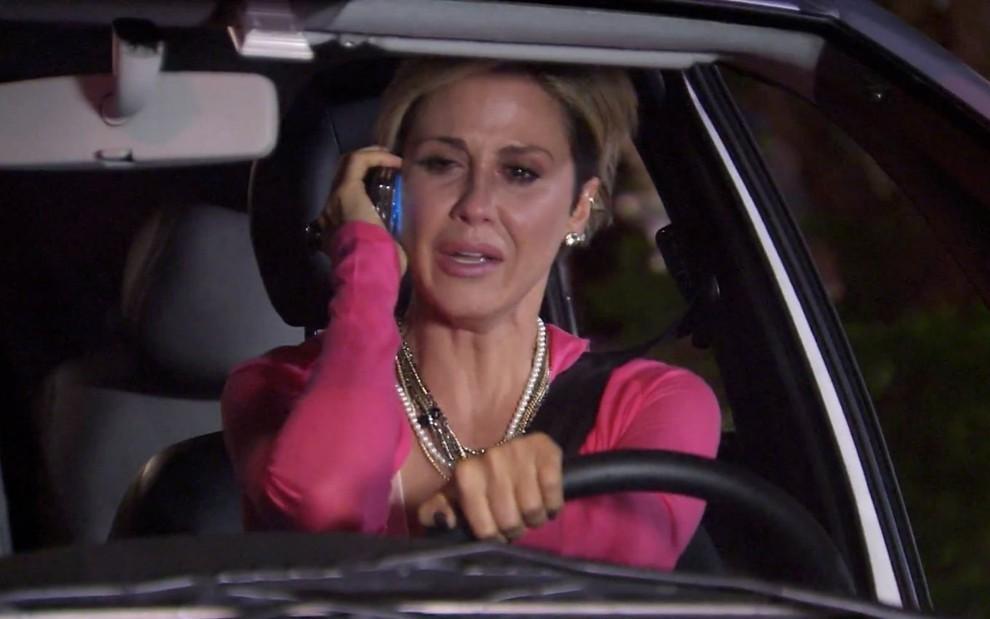 #TiTiTi: Luísa se entrega à loucura após aviso devastador; entenda > https://t.co/uxVMh5Bwib https://t.co/DDwJF76pMf