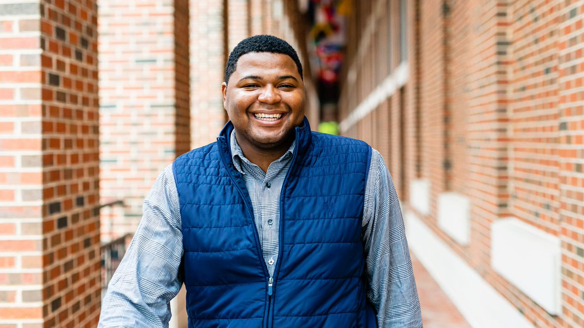Tyrell Carter got his first taste of entrepreneurship in the fifth grade and has been in love ever since. See how the Carolina Covenant Scholar took advantage of all that #UNC and @kenanflagler had to offer at every step of the way: https://t.co/5xSSU9Vsx4 https://t.co/ZGl7eaKwgP