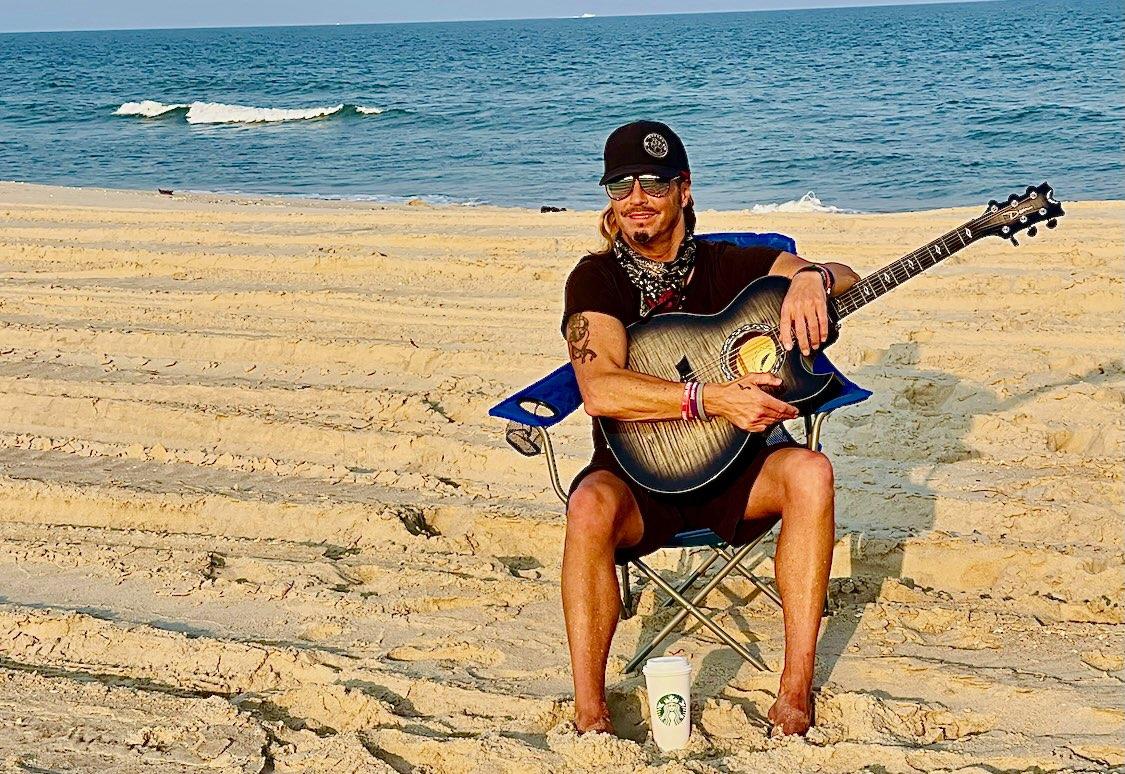 Just @bretmichaels Hanging on the #Beach @OCMaryland #Maryland 🎶 @TravelMD 🌊 ☀️