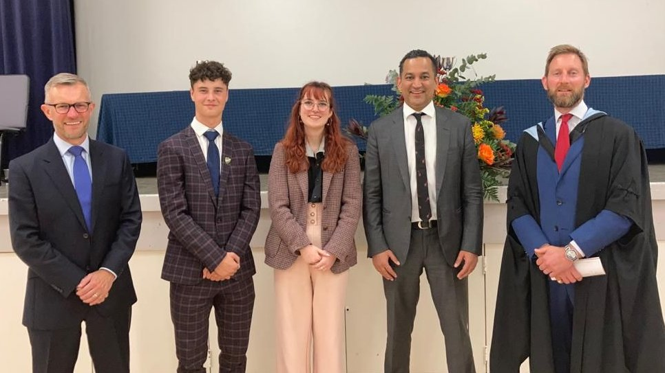 Congratulations to our prize winners at last night's Speech Day with thanks to our speakers Ms Rachel Brindley, Director Of Secondary Education @DanesEdTrust, @gaganmohindra MP for SW Hertfordshire & Mr Martin Day Chair of Governors @SCDSchool https://t.co/e0pLaNAvZh
